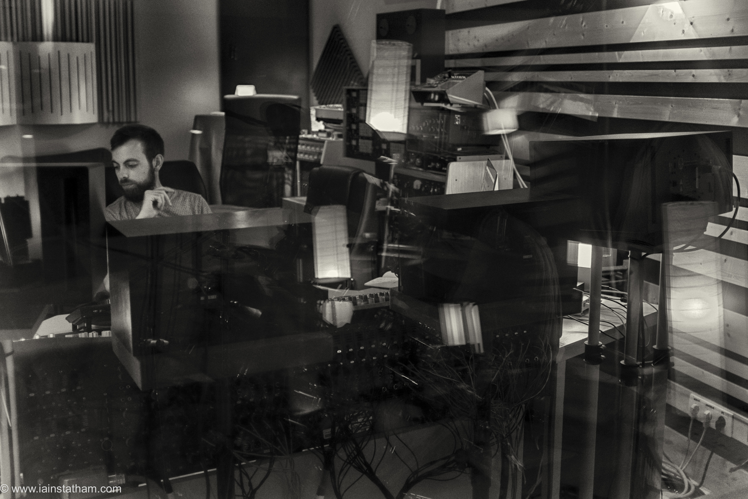 fr - music - mahognay - studio - bw - august 15-6.jpg
