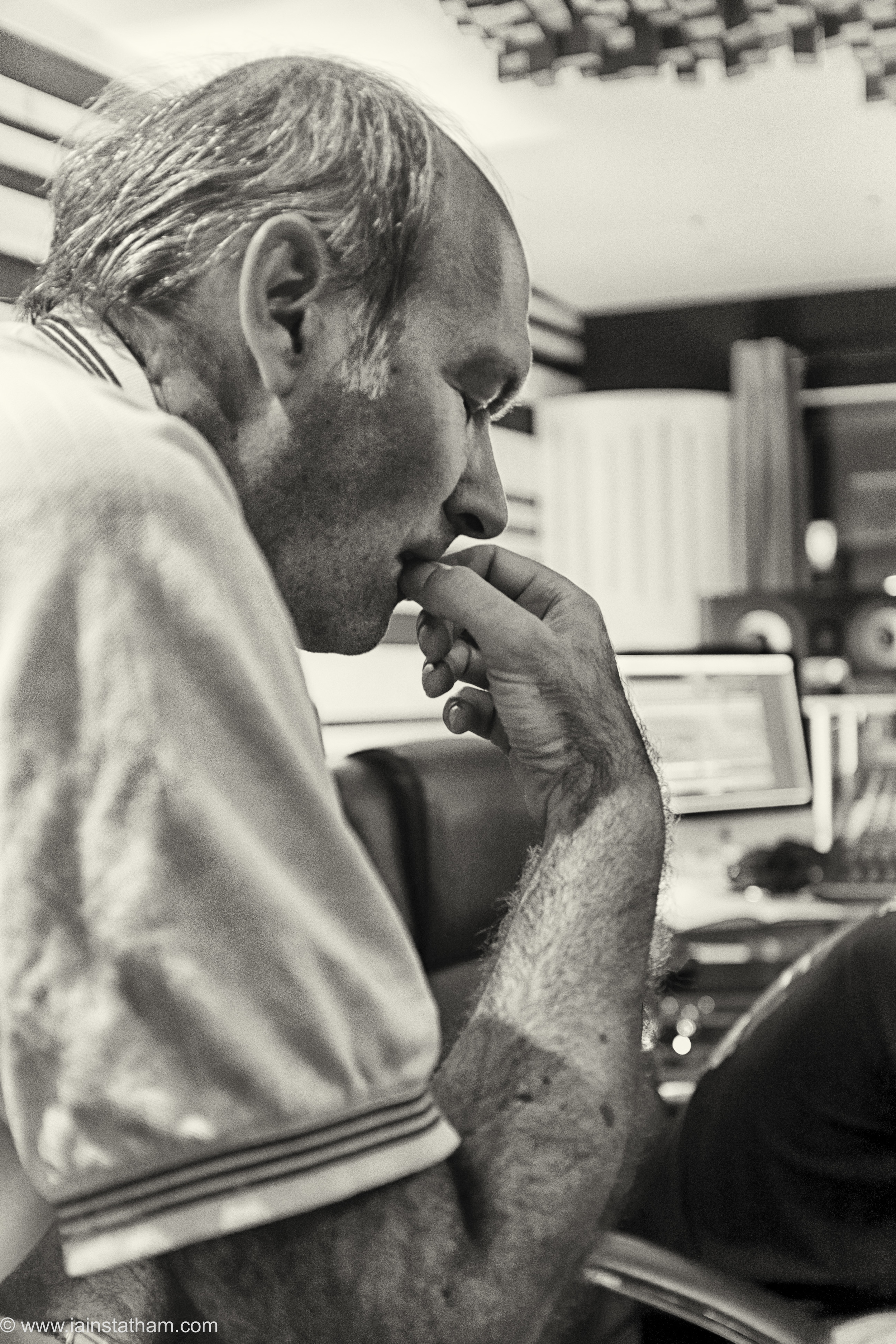 fr - music - mahognay - studio - bw - august 15-13.jpg