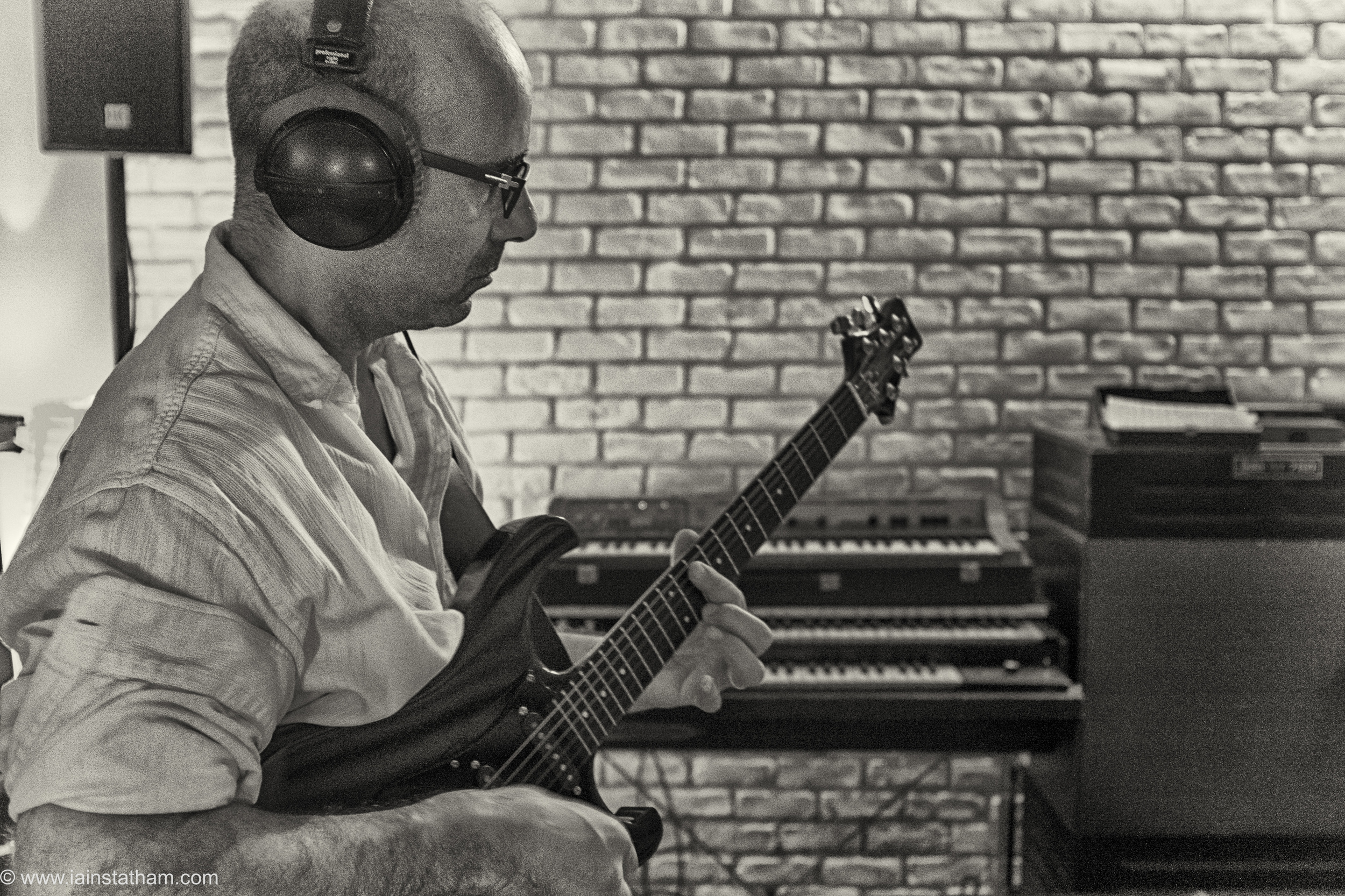 fr - music - mahognay - studio - bw - august 15-18.jpg