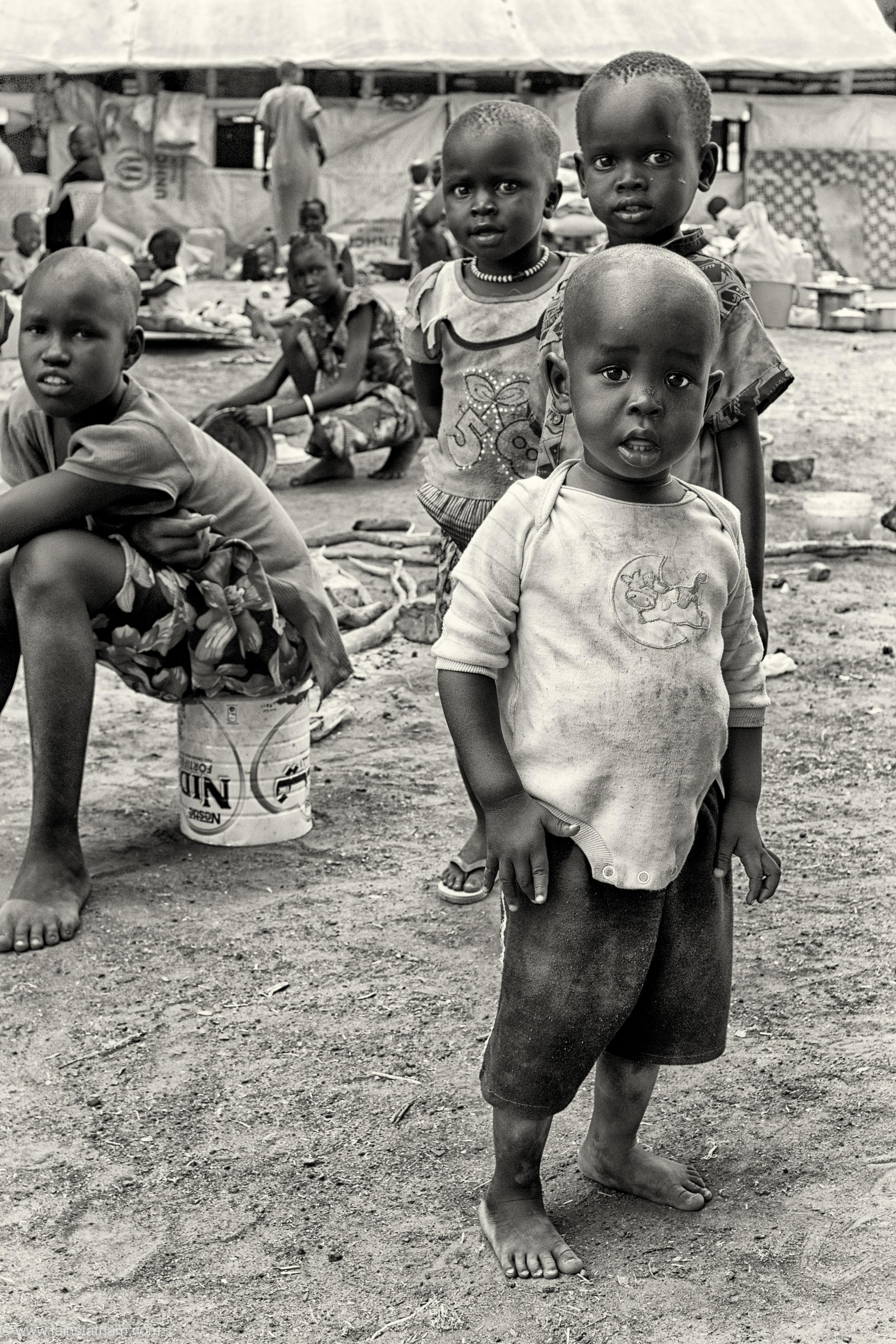 ug - south sudan refugees - dziapi - bw-10.jpg