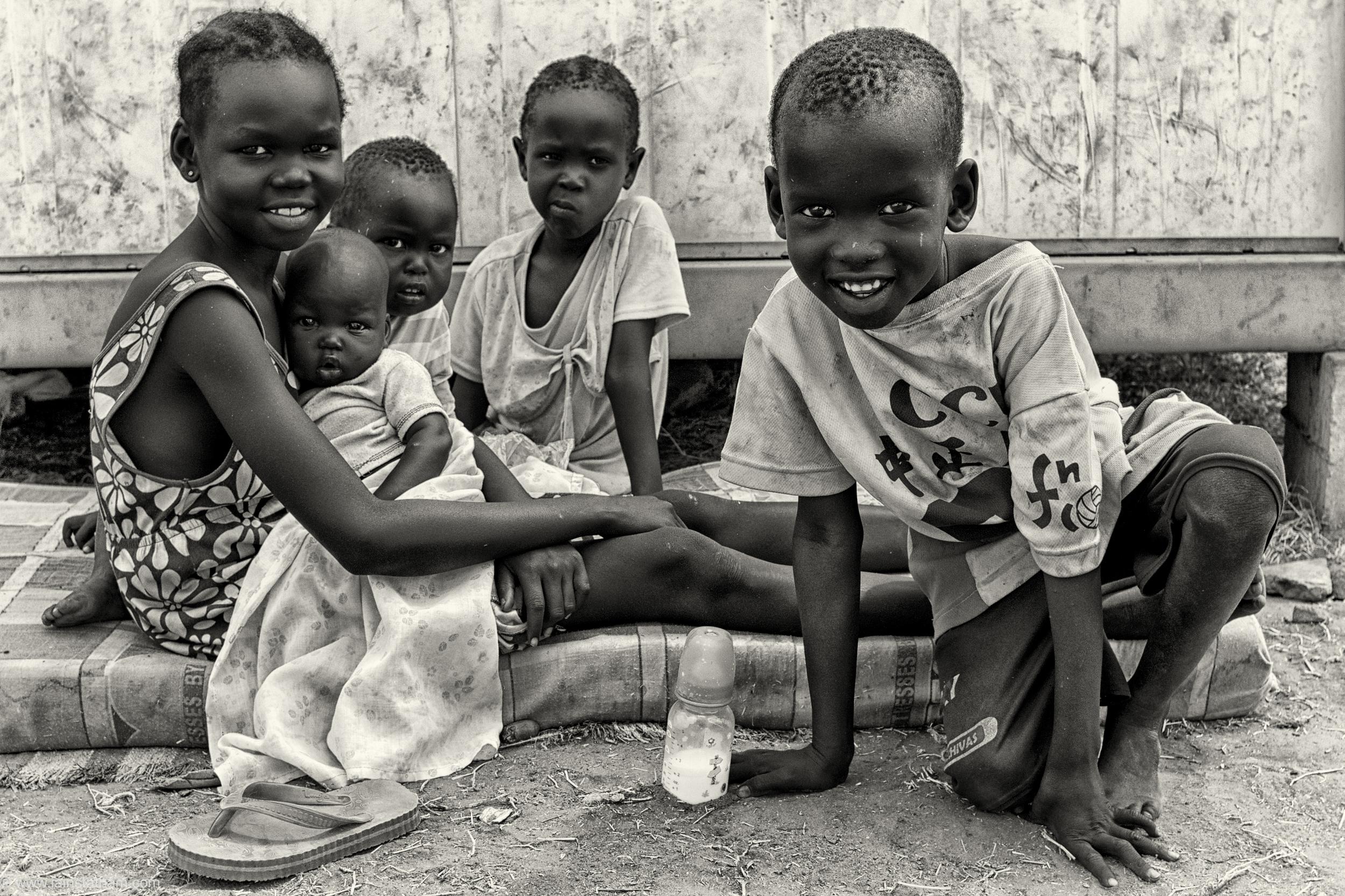 ug - south sudan refugees - dziapi - bw-12.jpg