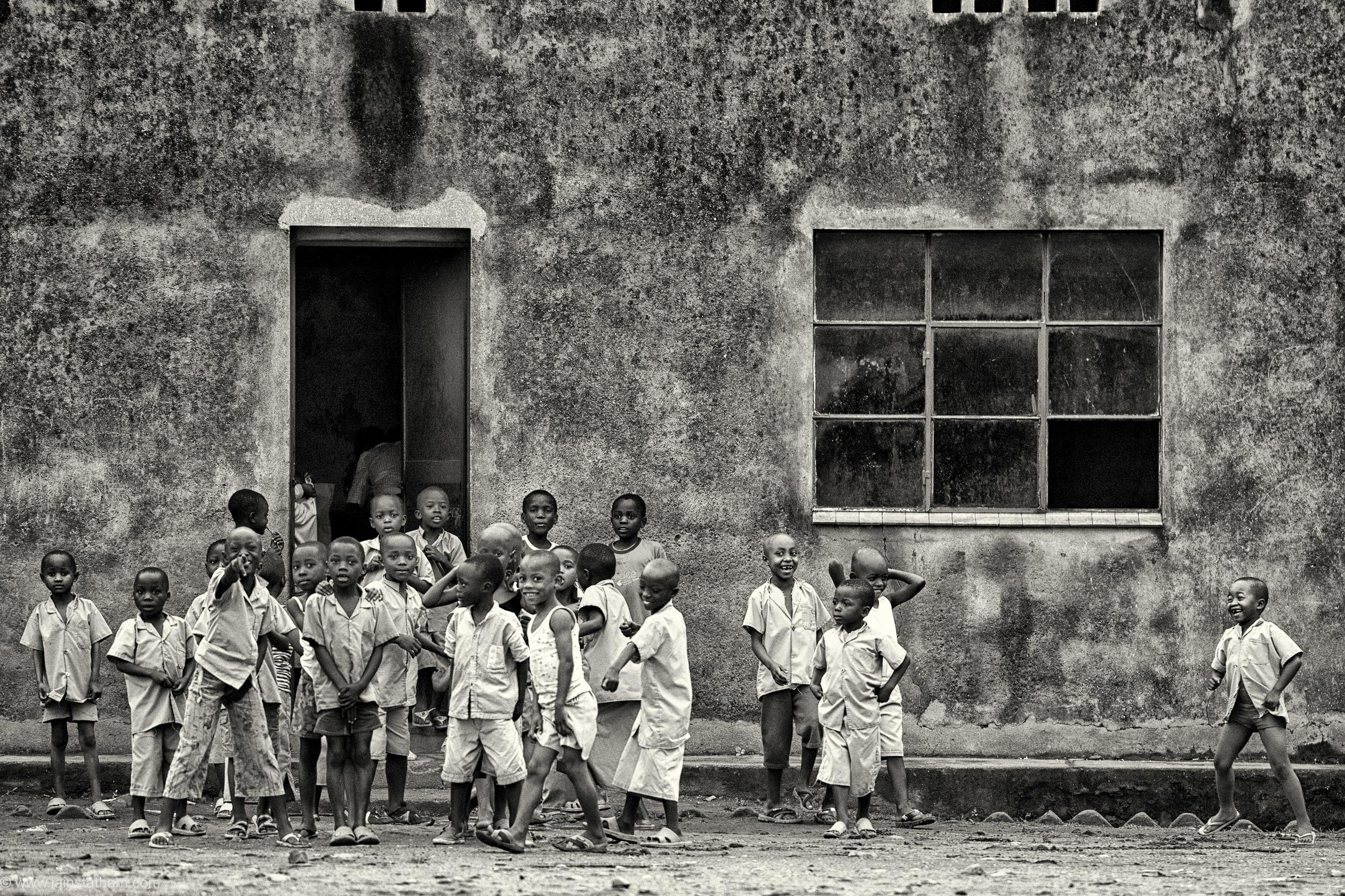 bur - makamba - school - bw-1.jpg