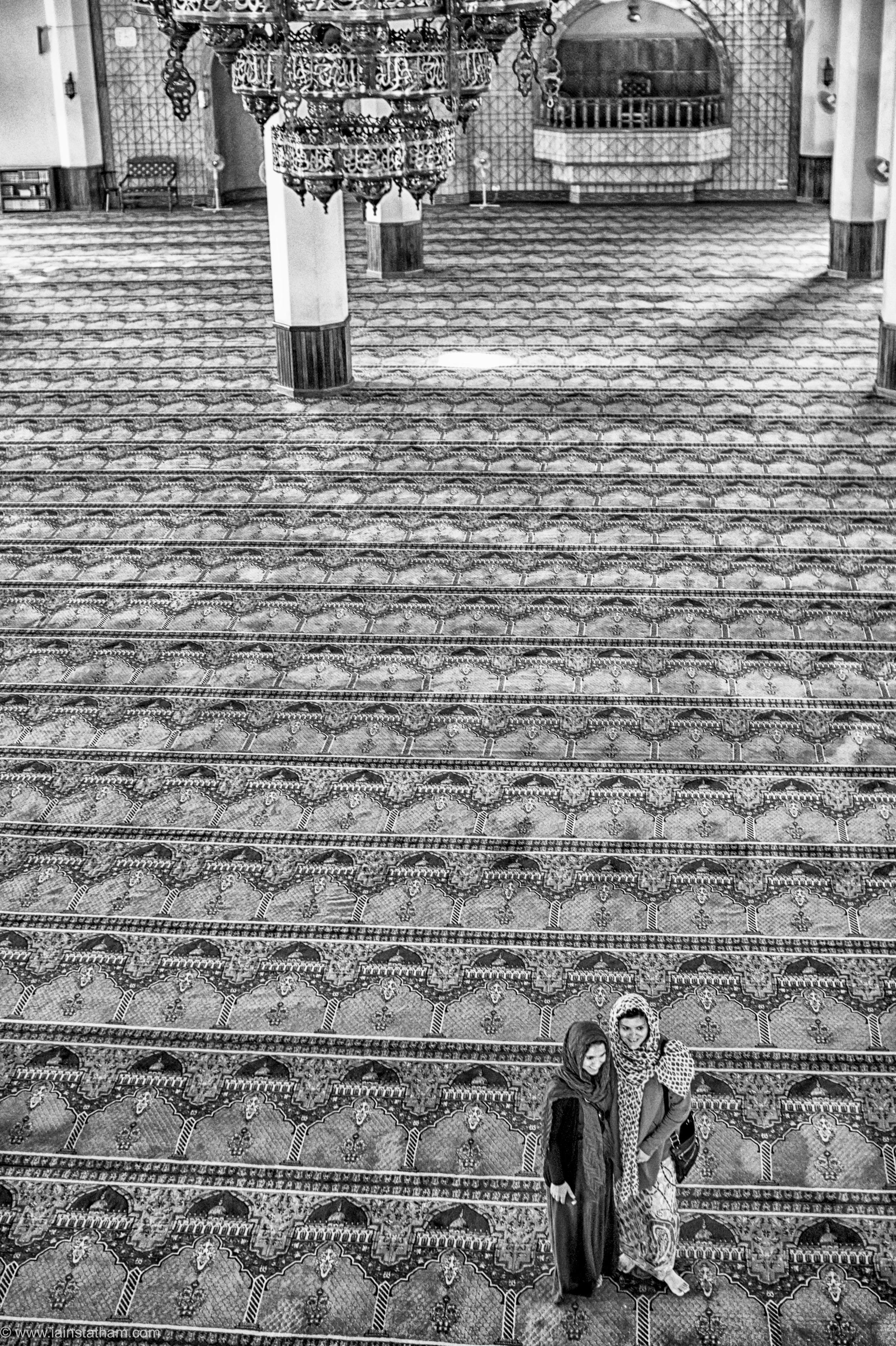 ug - kampala - gadaffi mosque - bw-5.jpg