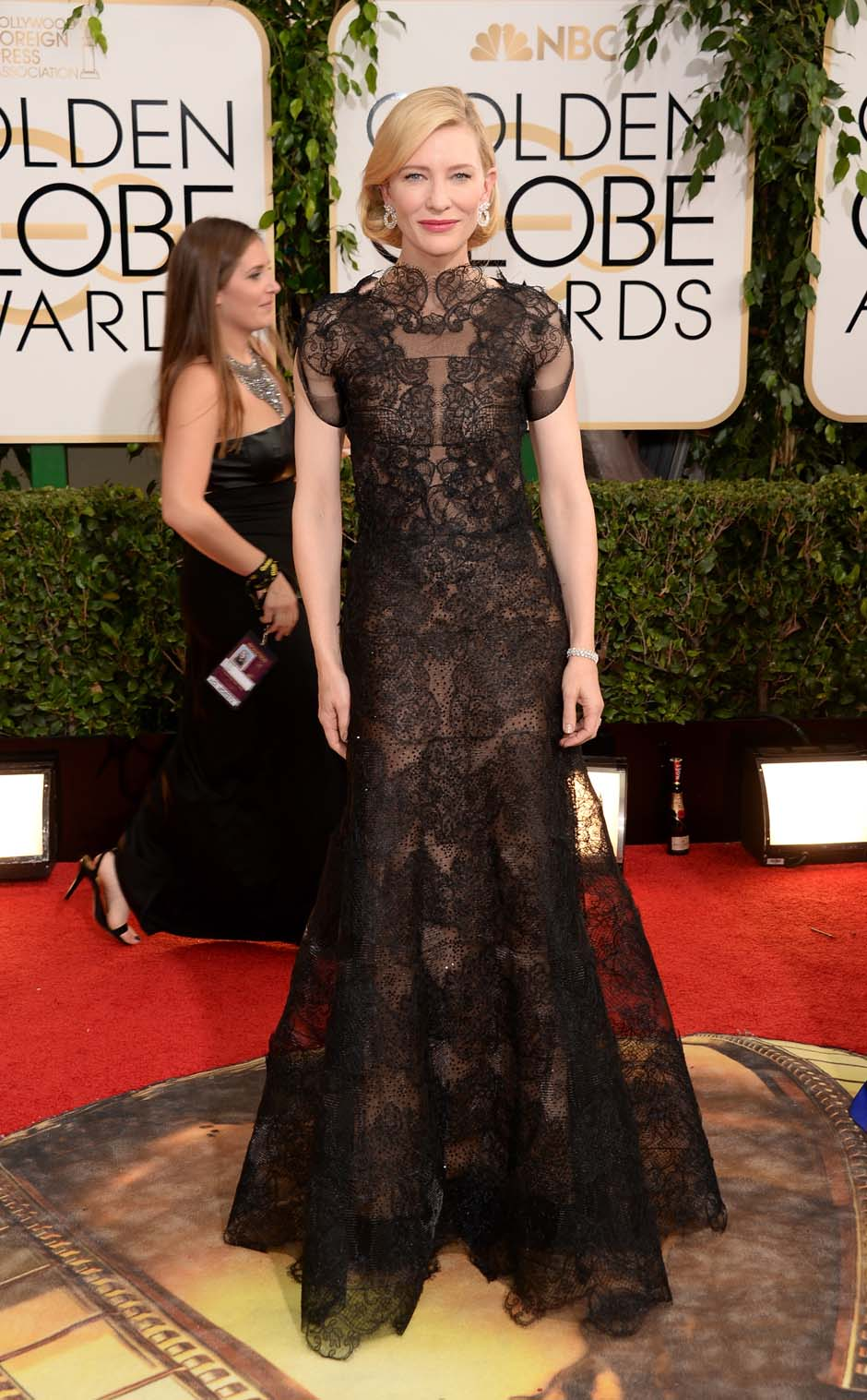 Cate Blanchett demonstrates pure grace and elegance in this Armani Couture dress.