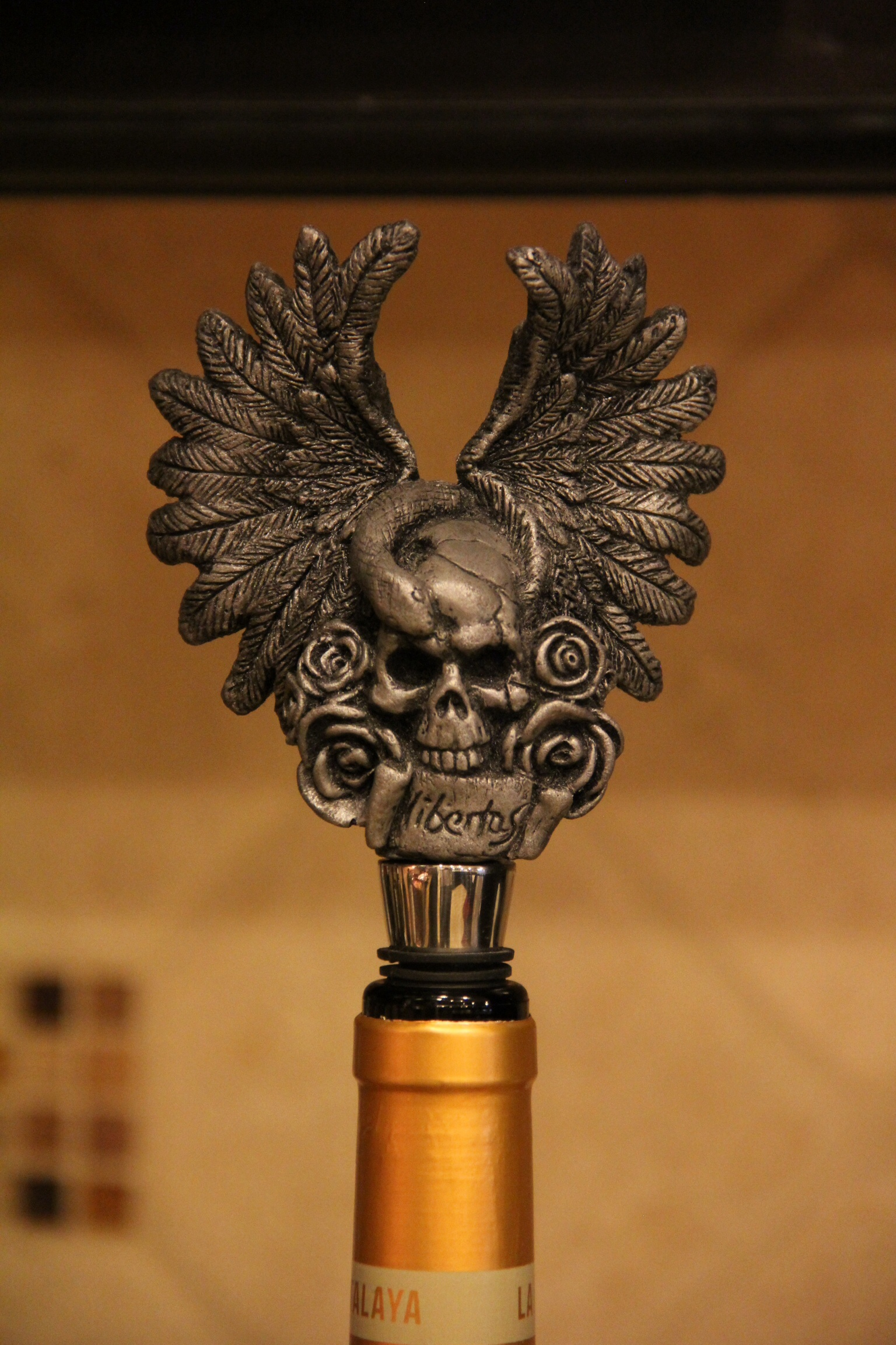 Gerald Gore - Skull wine stopper