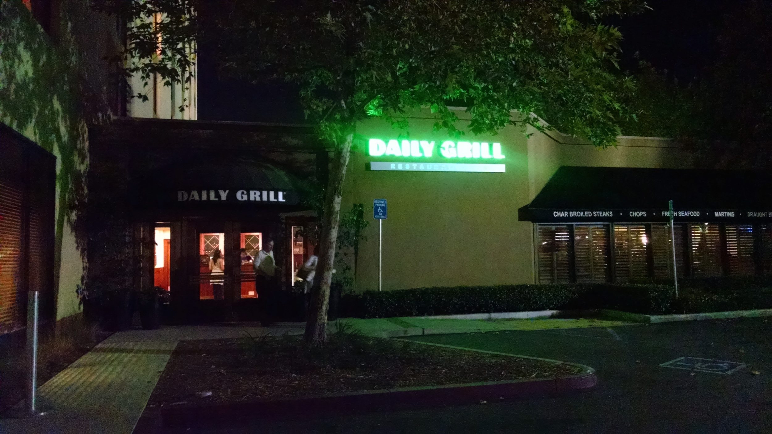 Saying goodbye to The Daily Grill, Monsterpalooza moves to Pasadena in 2016