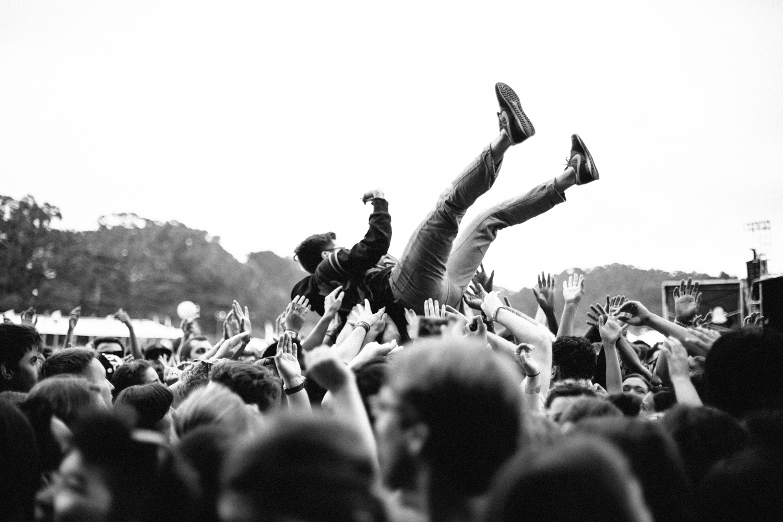 Crowd-11.jpg