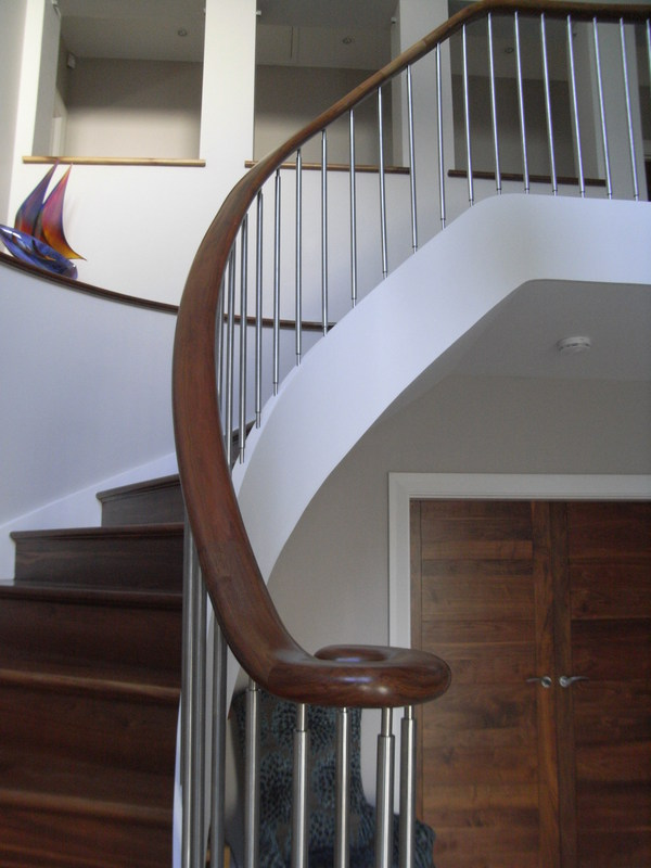 Staircase bannister.JPG