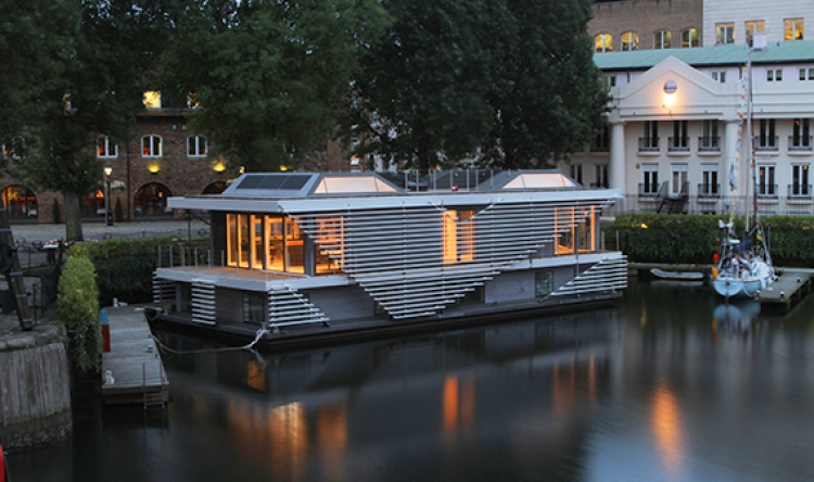 Inachus floating home.jpg