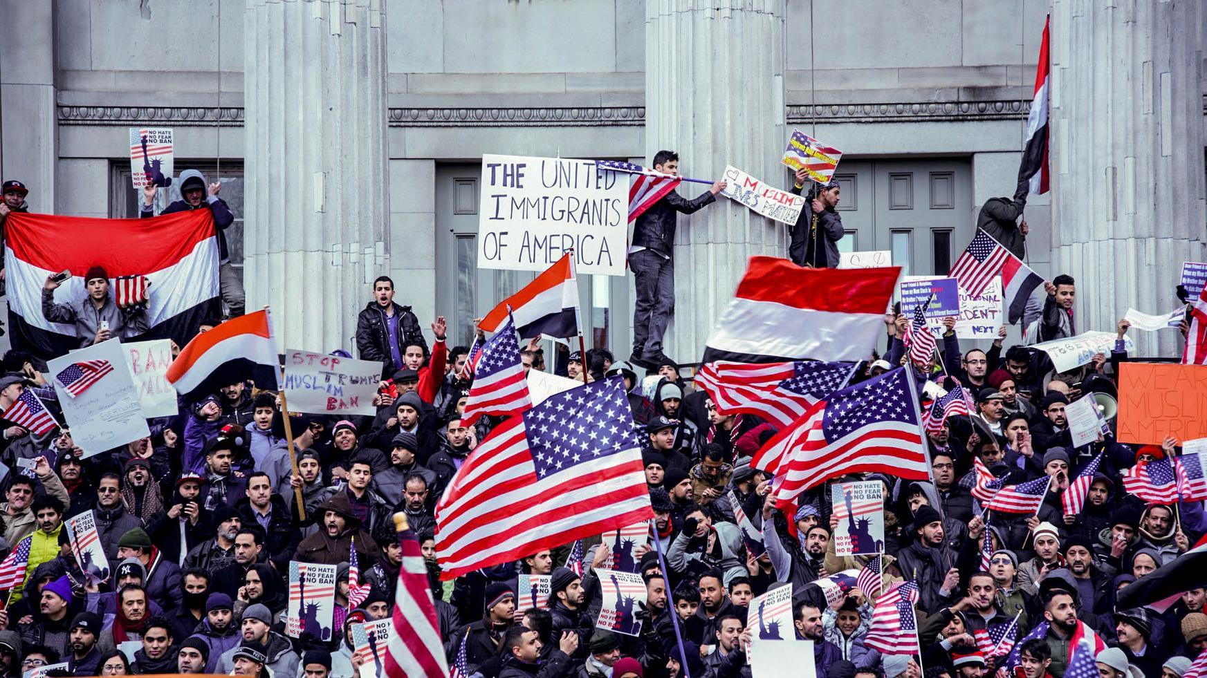 We Spoke to the Yemeni-Americans Who Took Part in NYC's Massive Bodega Strike  (MUNCHIES, FEB 3 2017)