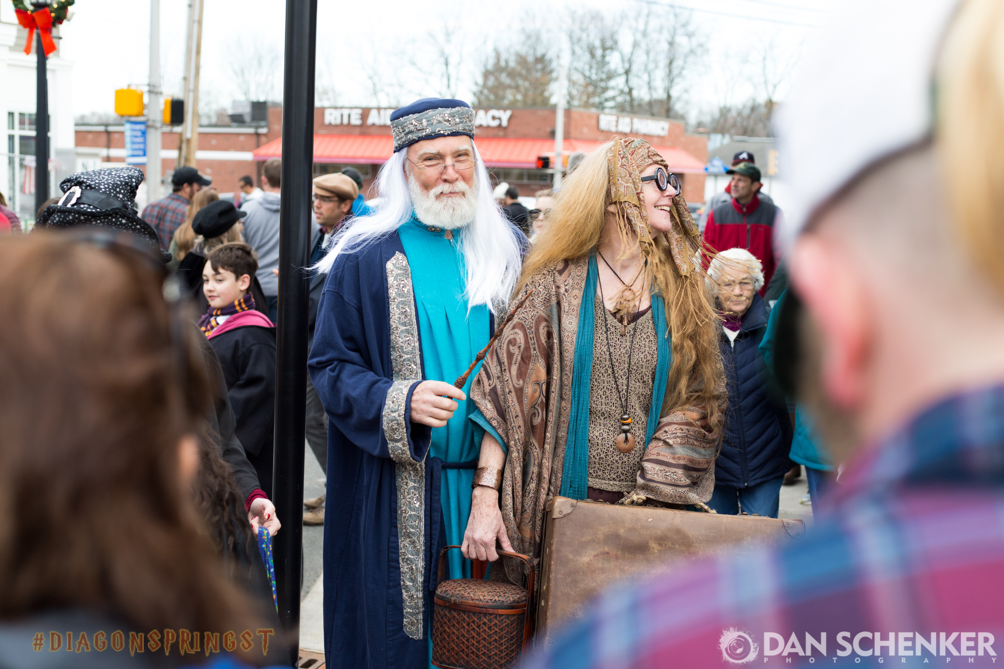 There won't ever be better Dumbledore or Trelawney cosplayers. I refuse to believe it. 💯