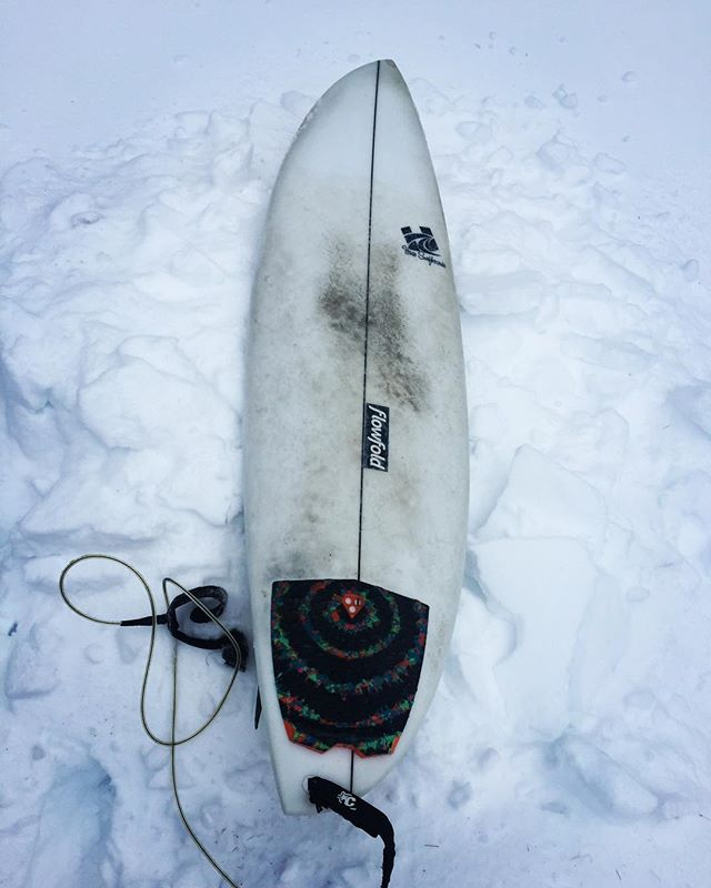 Cold situation last week in NE, but @frostedfuzz Was out there on his custom #asym regardless . . #haze #hazesurf #hazesurfboards #surf #customsurfboards #designsbyhaze #surfdesign #surfboard #asymmetricalsurfboard #asymmetric