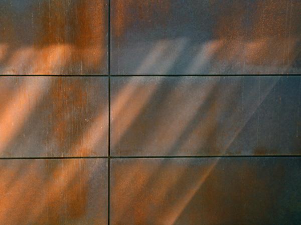 marine_rust_garage_door_2.jpg