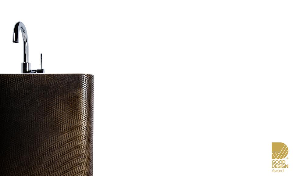 Pedestal_Basin_Brass_BrownFlorentine_Viper1_DA.jpg