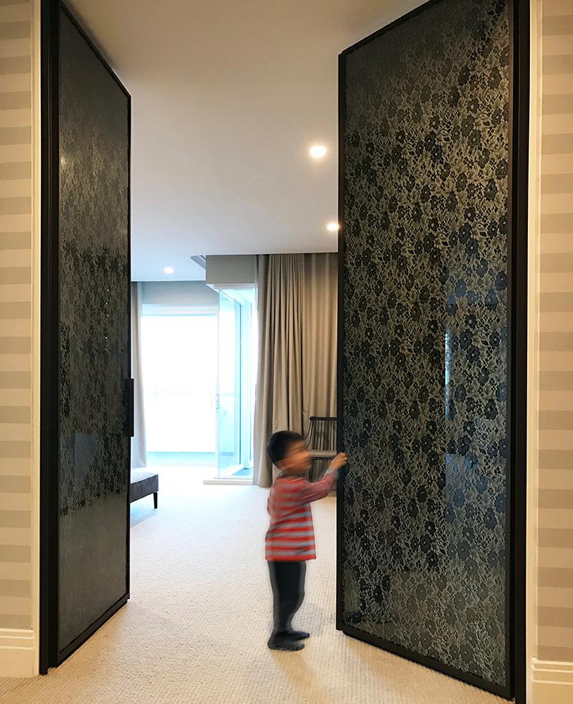 Cayman Veil on Grey Mirror with Gold Enamel