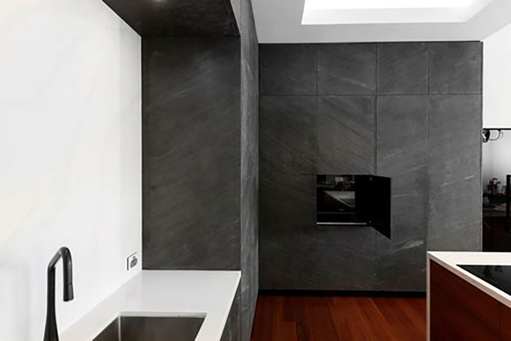 Surface: Mesoa Stone Surface Joinery: Everlong Joinery Photography: Mckean Photo