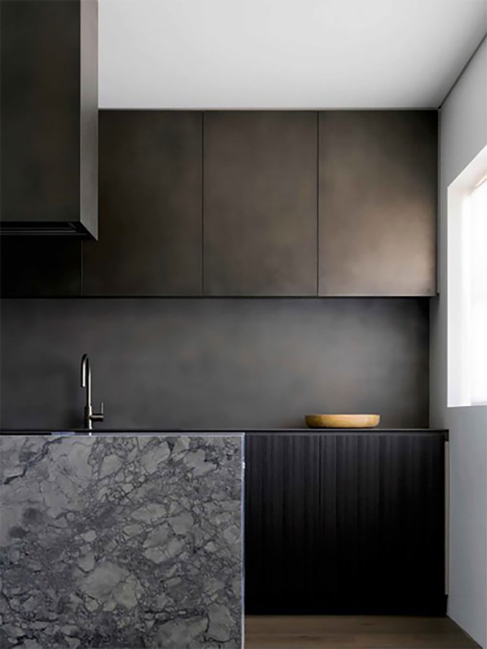 Surface: Anthra Zinc Pseudo Smooth Design: Lawless and Meyerson Joinery: Interior Woodworks Photography: Justin Alexander