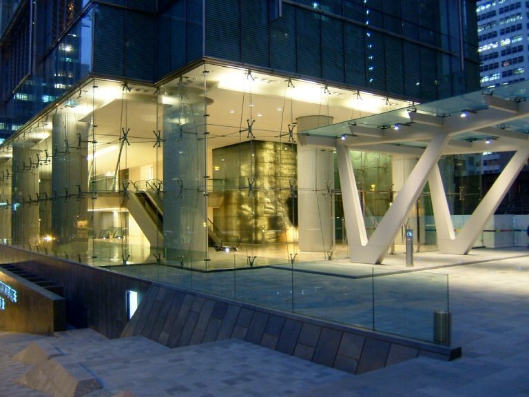 3PacificPlace_Glass_Foyer(2).jpg