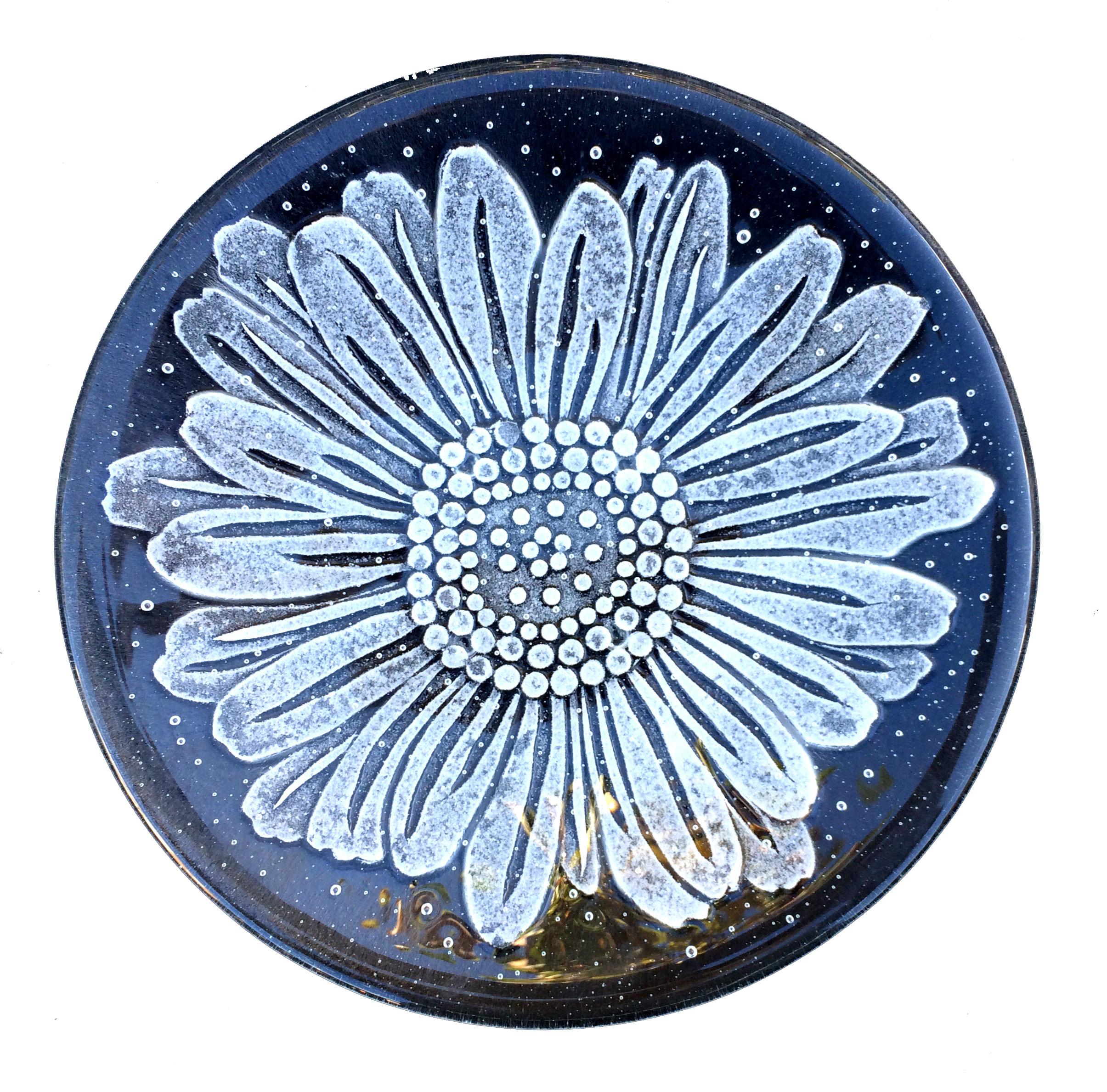 Daisy plate 1.jpg