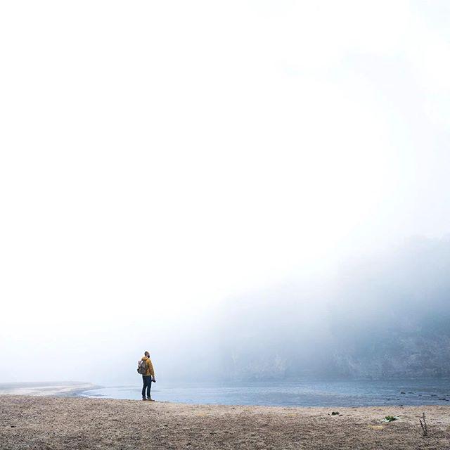 Andrew. . . . . . . #rsa_minimal #minimalism #vsco #leica #summilux #tv_simplicity #tinypeople #simplicity #negativespace #foggymorning #palisades