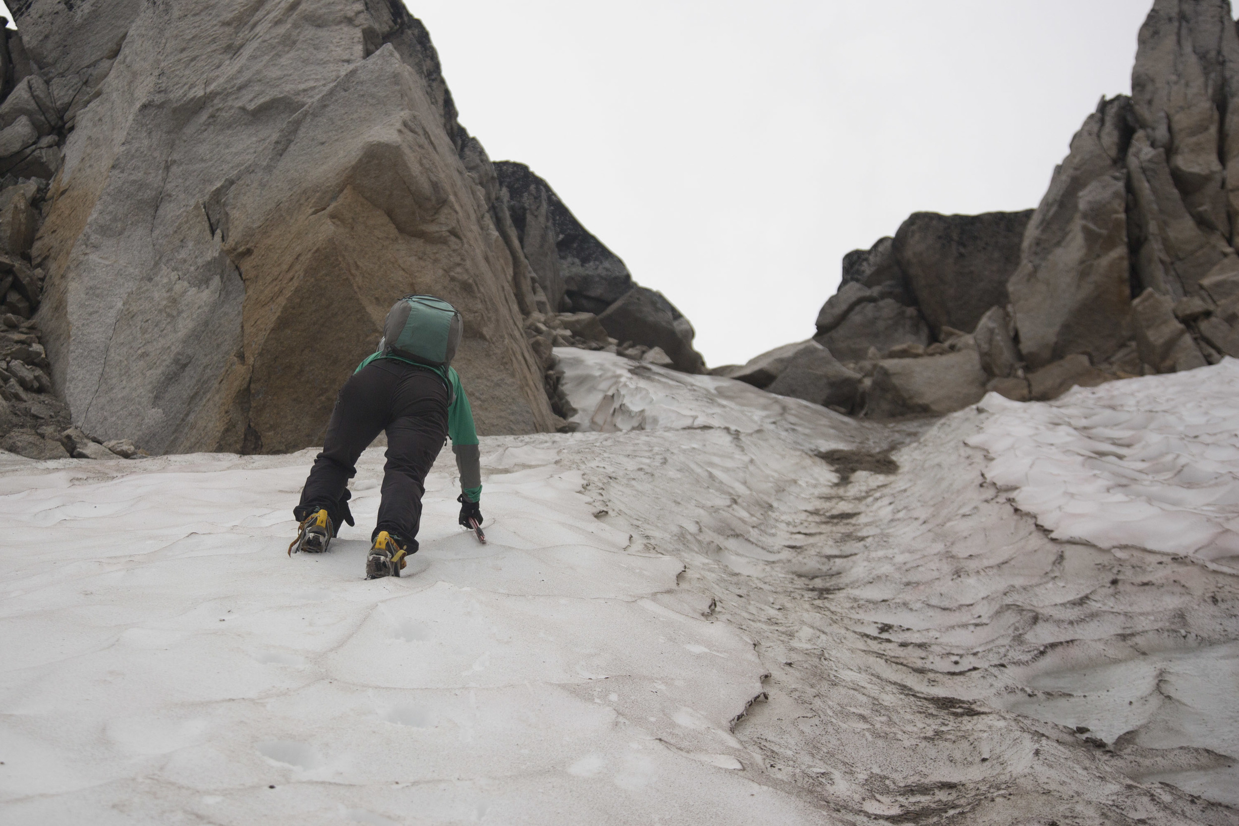 Climbing up to the Bugaboo-Snowpatch col.