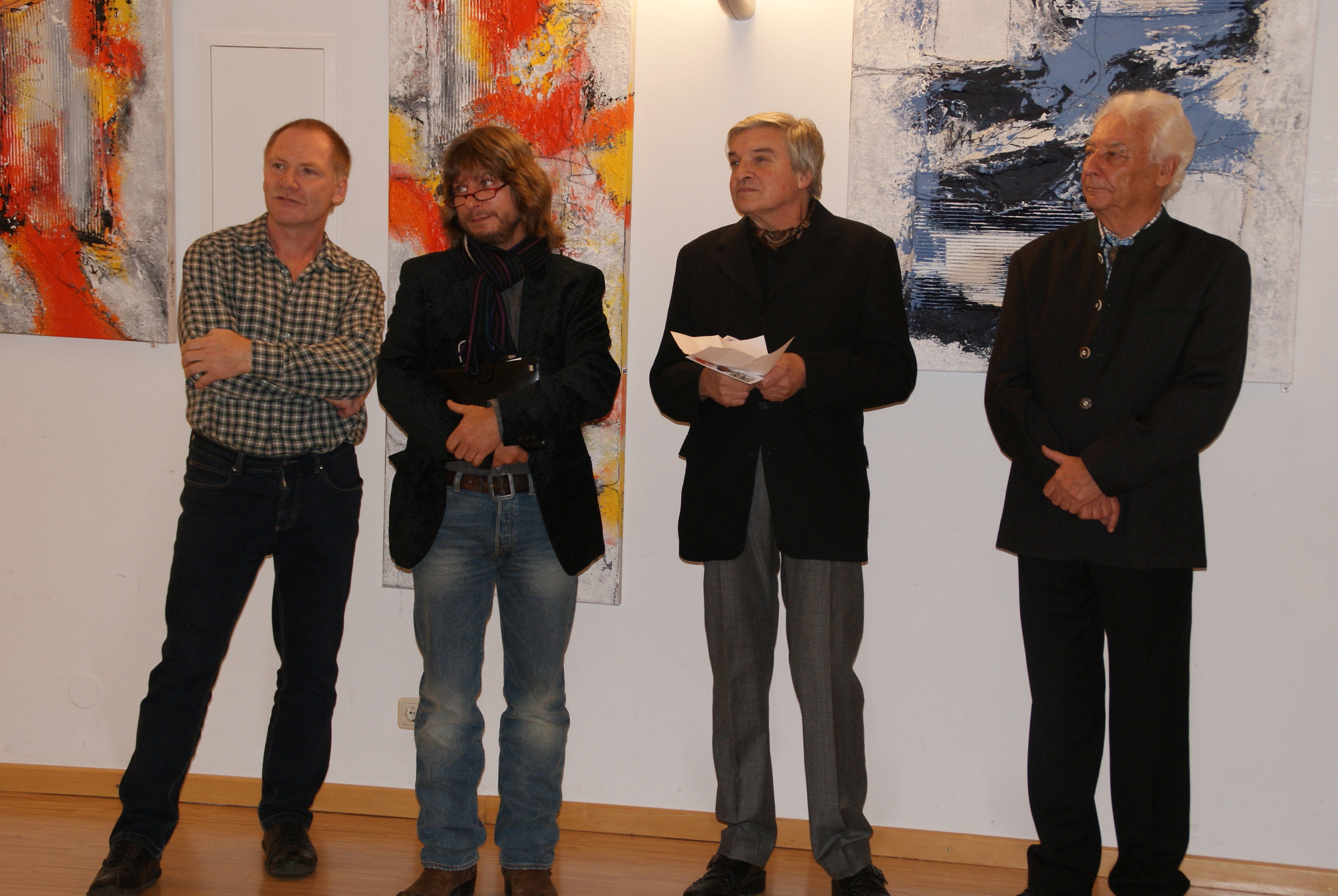 Herbstausstellung 3 Künstler + Eröffner.JPG