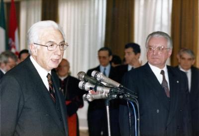 Sa Francescom Cossigom, talijanskim predsjednikom