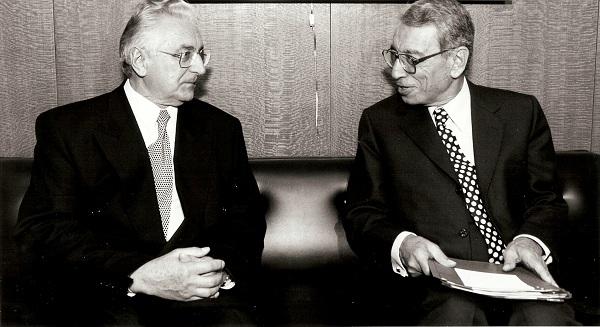 Sa Boutros Boutros-Ghalijem, generalnim sekretarom Ujedinjenih Naroda.