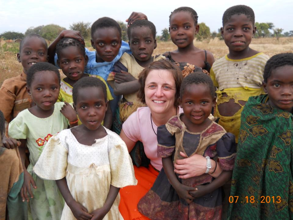 The picture from Malinda's first trip that inspired Kaylato sponsor children.