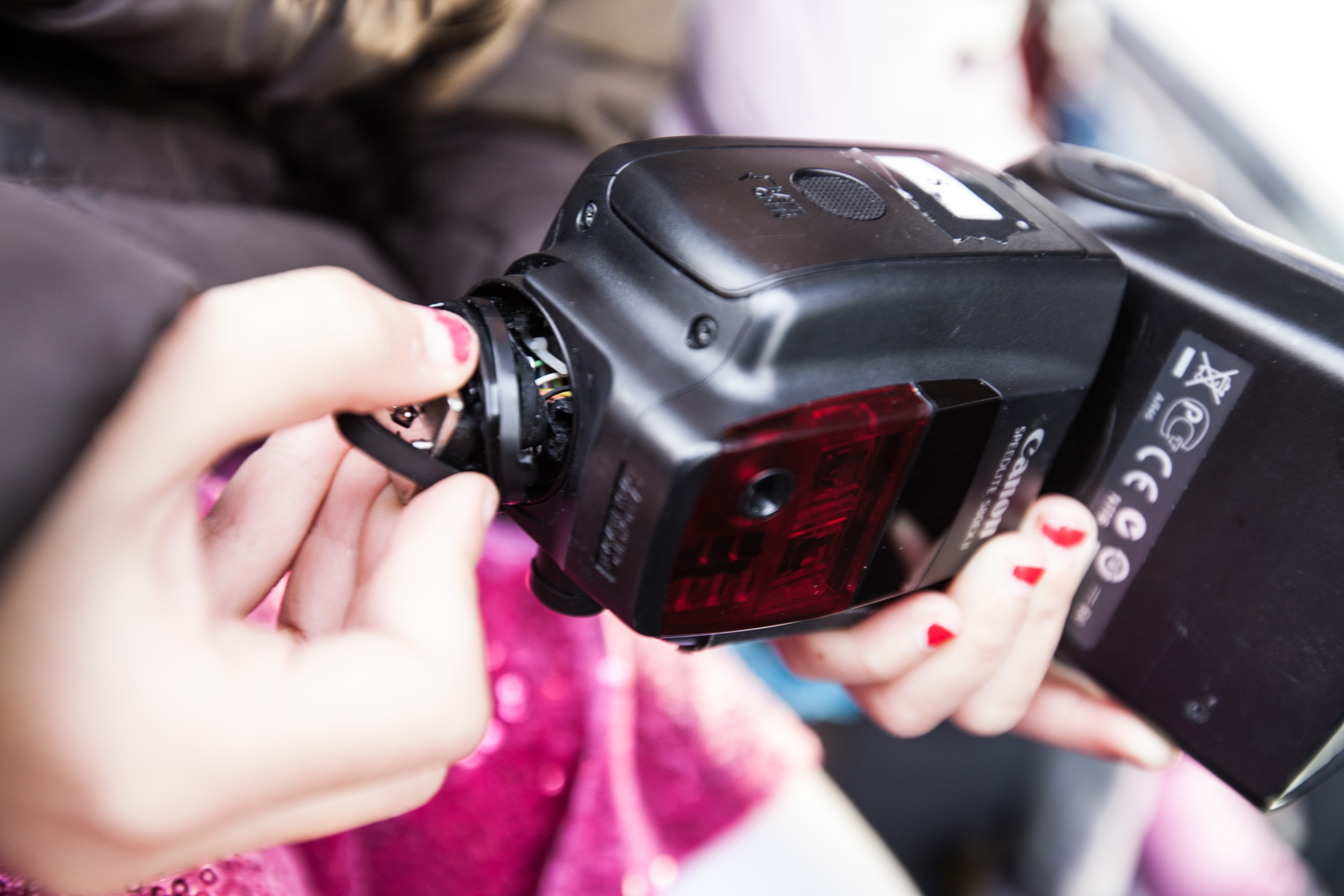 FabioBoscoPhotography_Gabriela holds my broken flash-075339.jpg