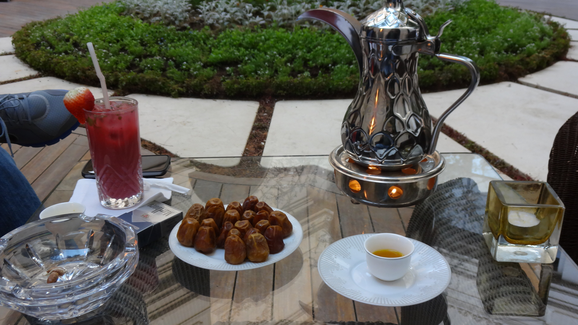 Arabic coffee and Kingdom dates, the best in the world
