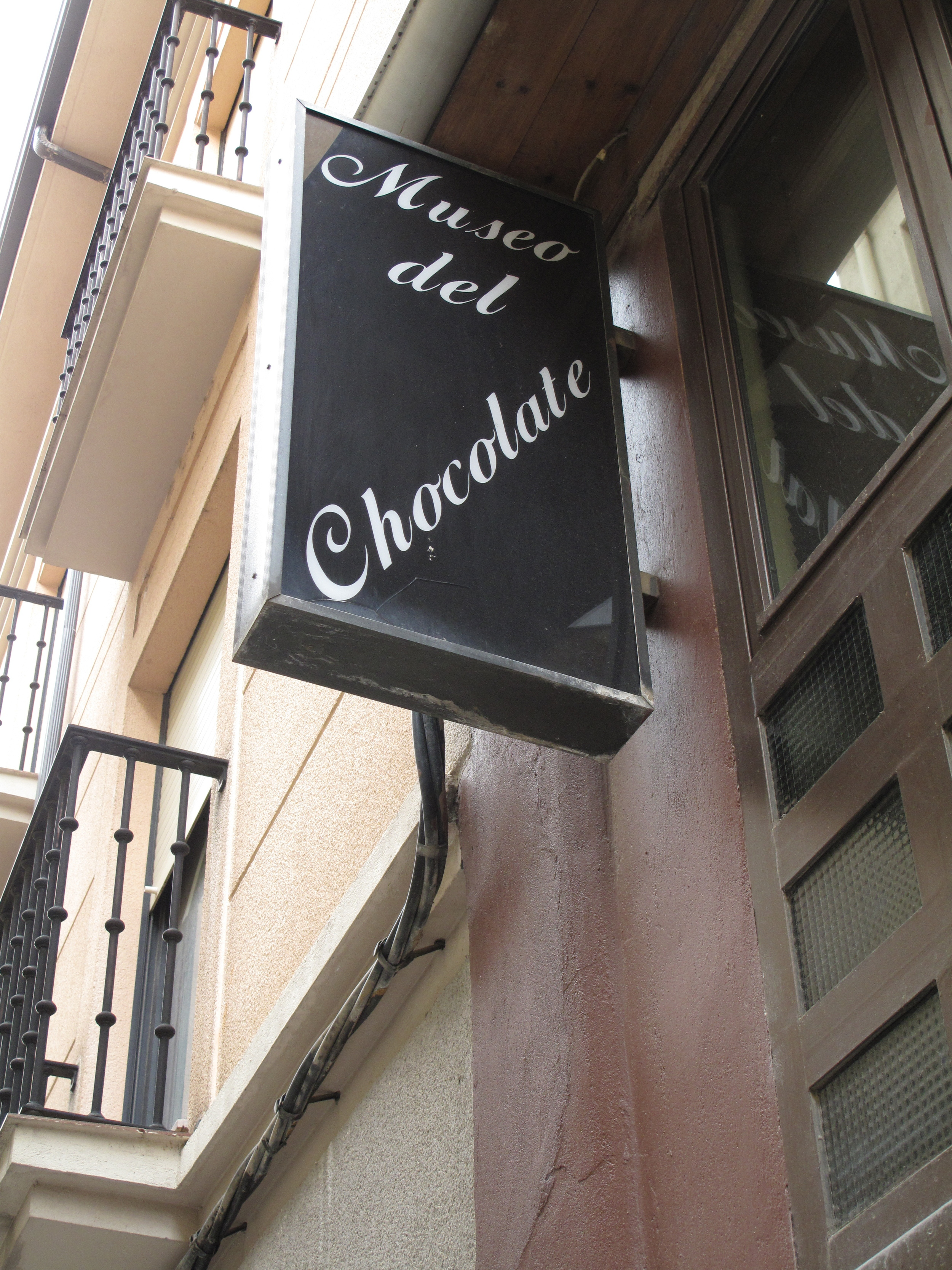 Still working on my foot problems, I took the bus to Astorga. Lo and behold there was a chocolate museum! I never pass up chocolate!