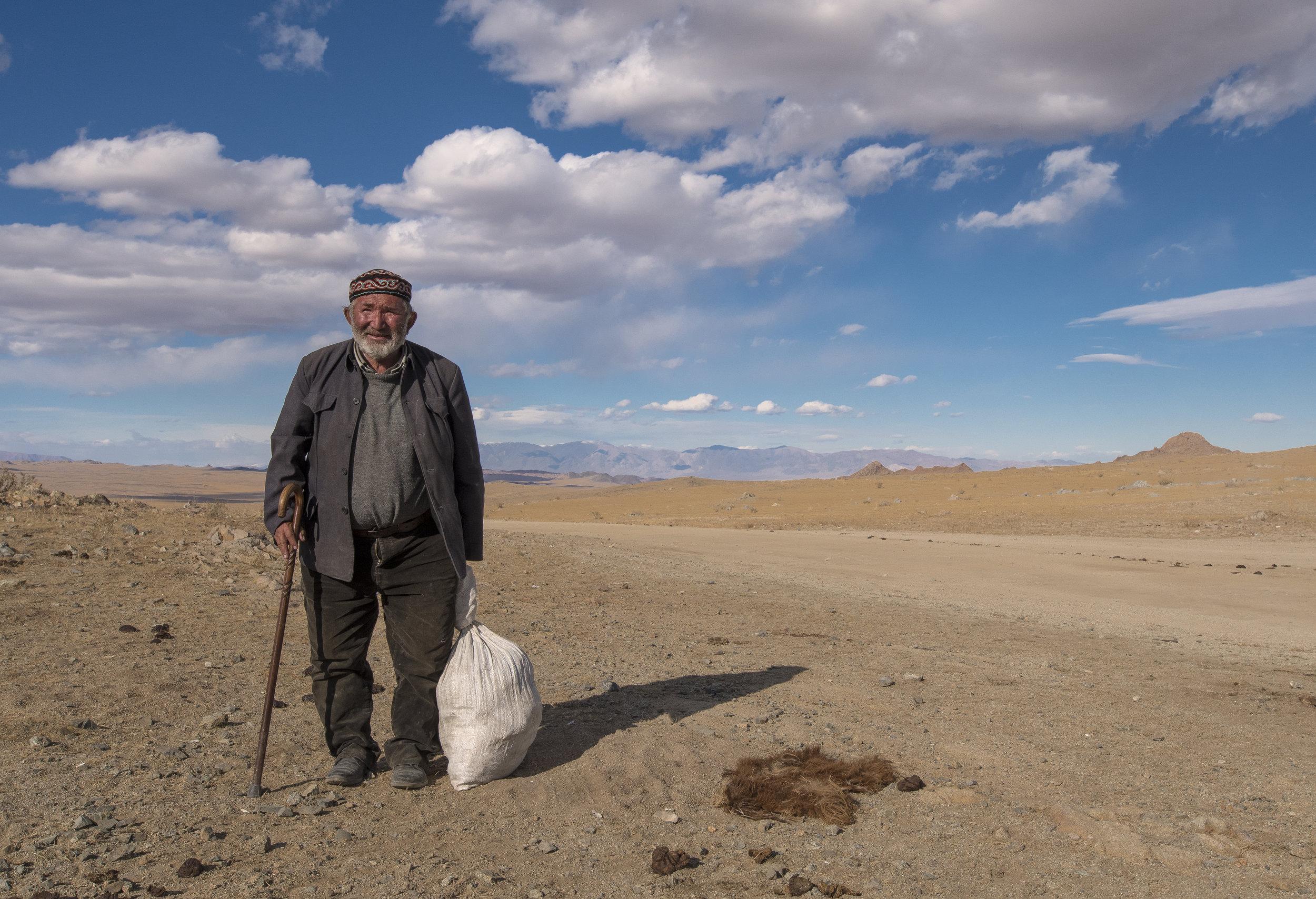old man_Mongolia_Kvohd_nomad.jpg