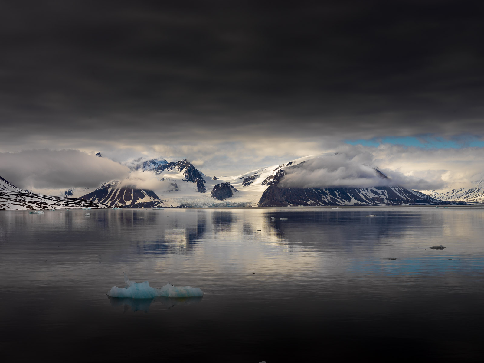 photo-workshop-svalbard-photo-expedition-12.jpg