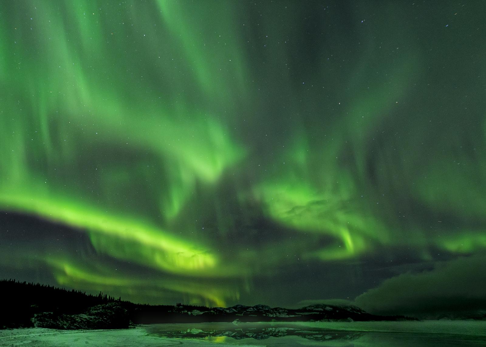 aurora at lake labarge.jpg