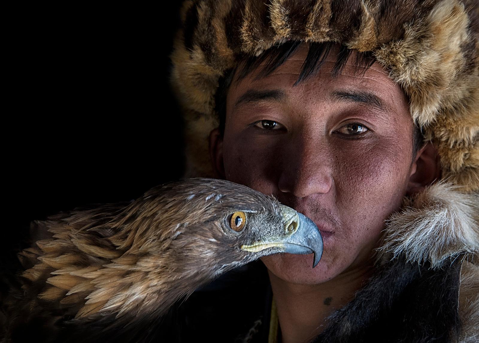 kiss the eagle-X4.jpg