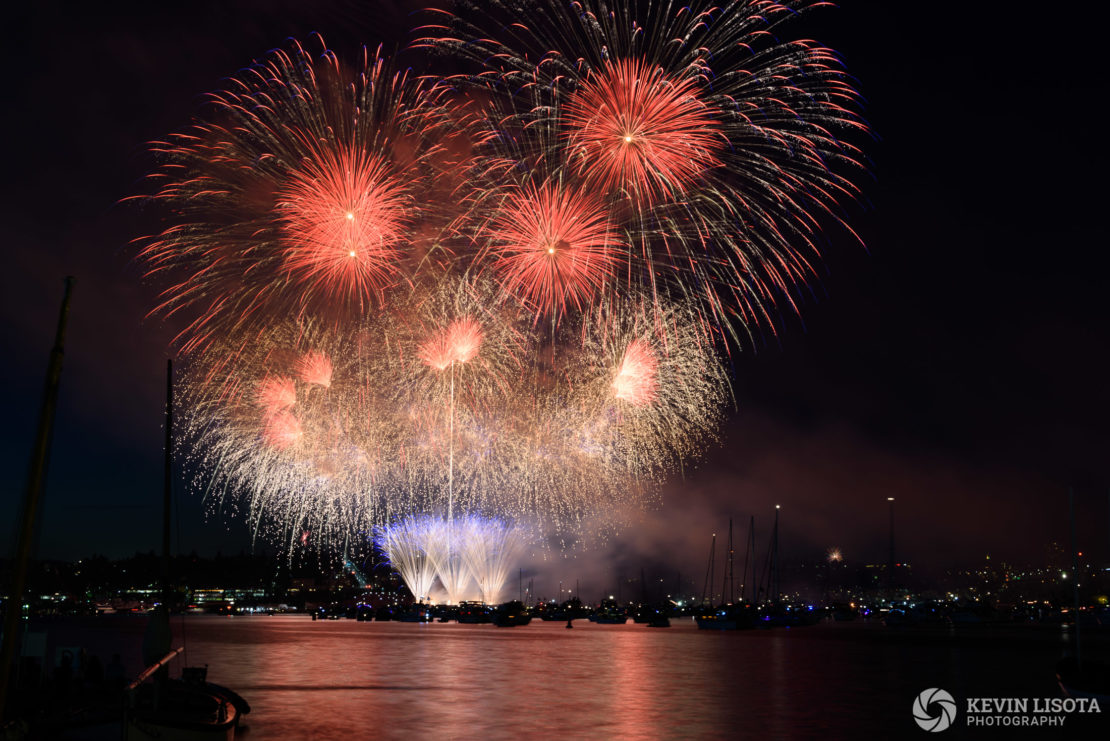 Fourth of July Fireworks at Seattle's Gas Works Park. Nikon D810, 70mm, 8.0″, f/9.0, ISO 100