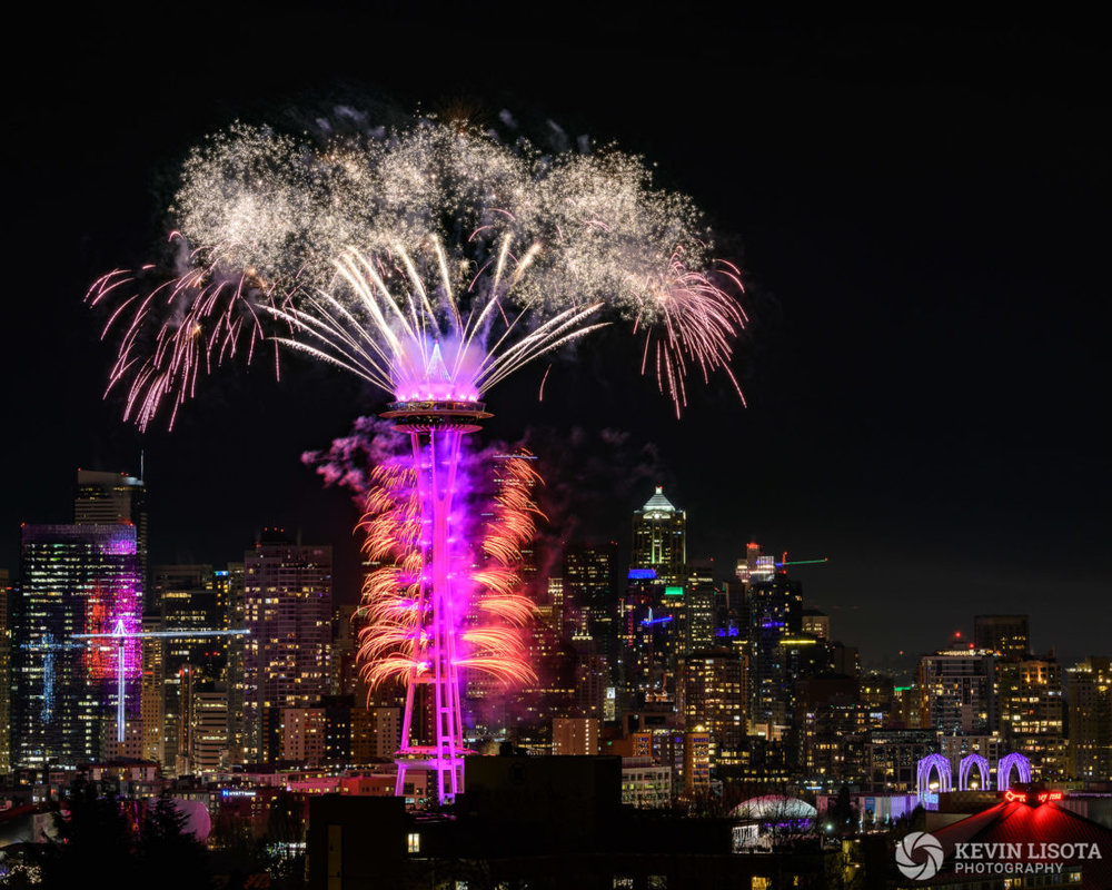 Space Needle New Year's Fireworks. Nikon D850, 70mm, 4.0″, f/8.0, ISO 100