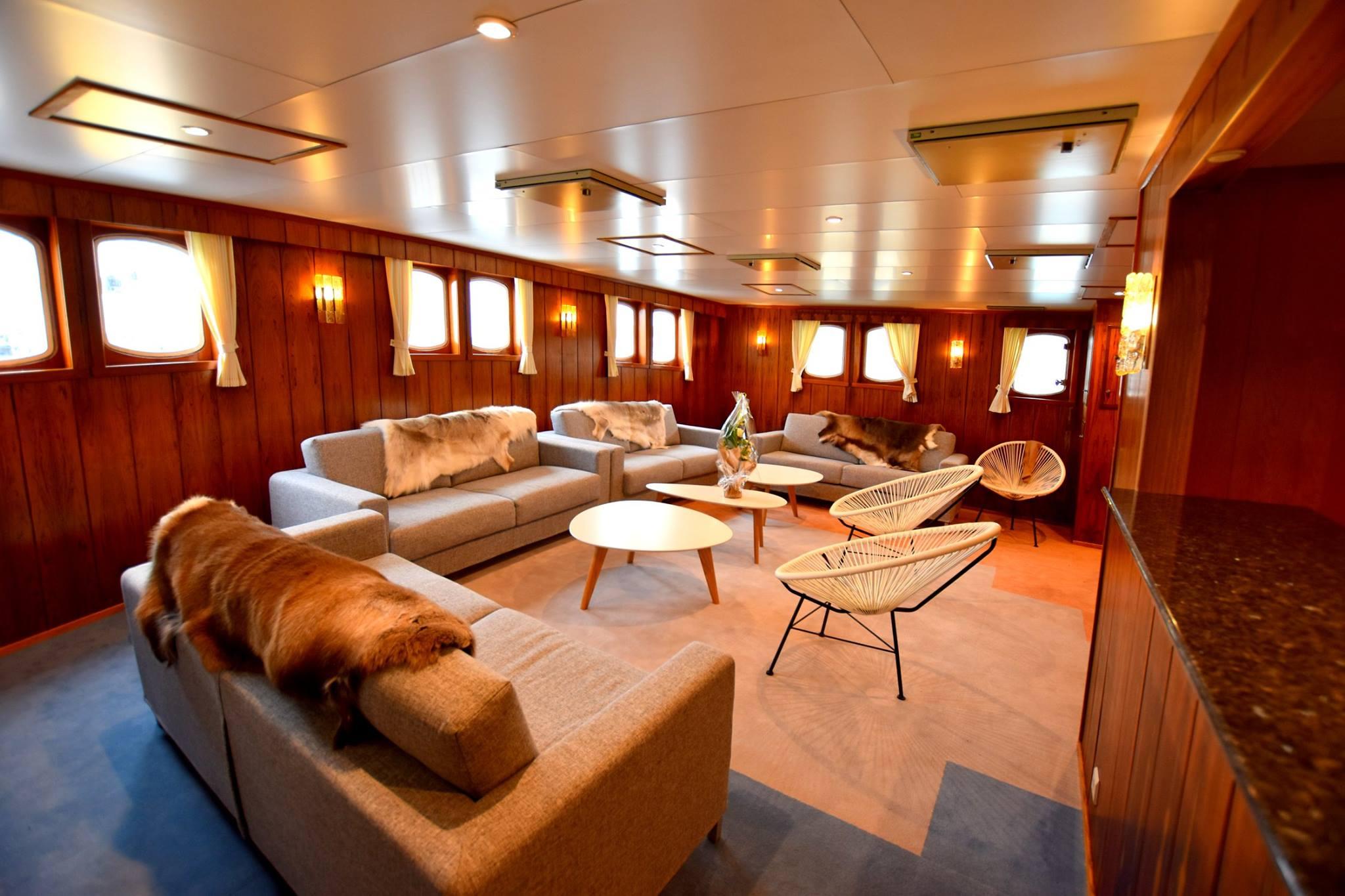 Lounge - LB.jpg