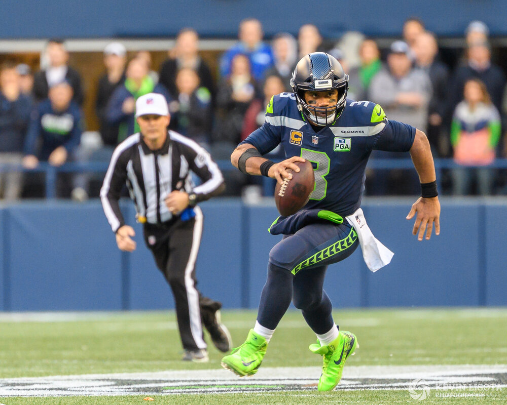 Russell Wilson - Seattle Sehawks vs. Los Angeles Chargers - Nove