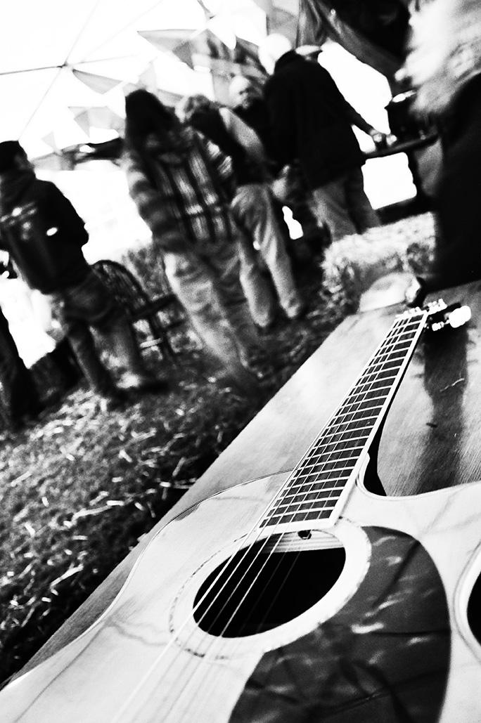 GuitarBW.jpg