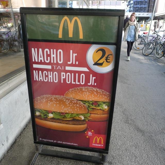 finland-nacho-burger.jpg