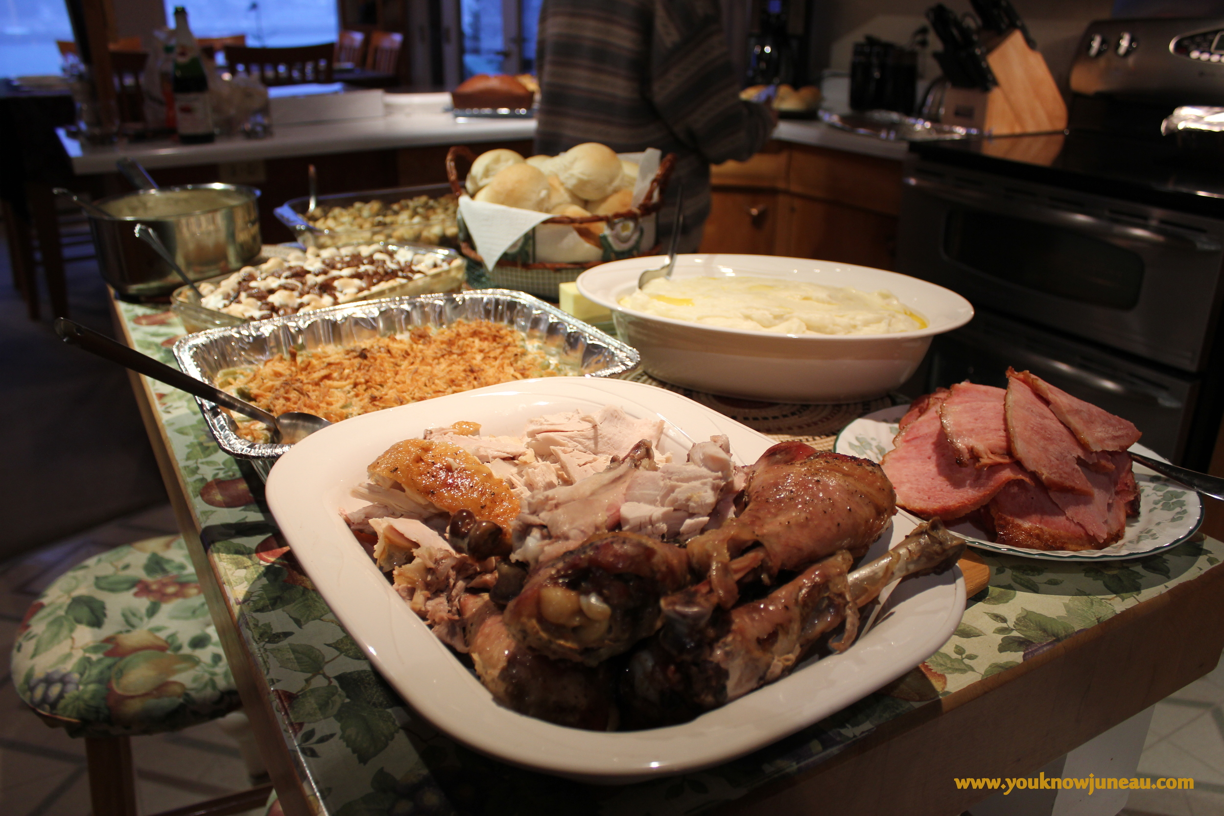 Turkey and ham and all the fixins'. I'm fixin' to get me a plate!