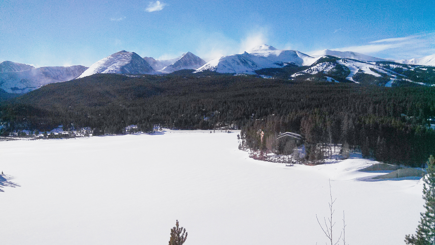 The portion of Tenmile Range south of Breckenridge. Peak 10, its slopes graced by the runs of Breckenridge Ski Resort, stretches across most of the right portion of the photo. On the left, the monolithic Quandary Peak, with its summit at 14,265ft. Immediately to the left of Quandary Peak is the knife-edge ridge of North Star Mountain.