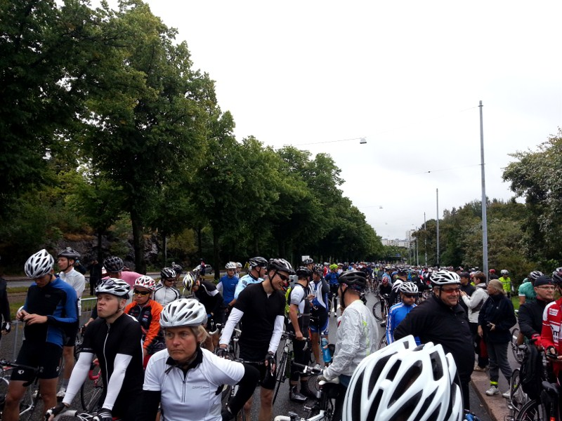 2291 cyclists at the start line