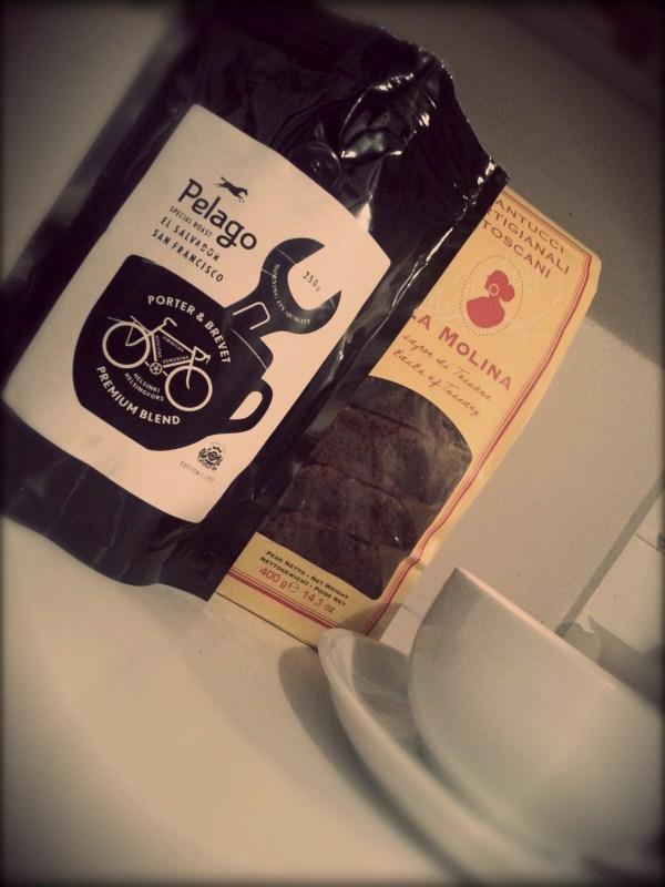 Cantucci al cioccolato and some good Coffee