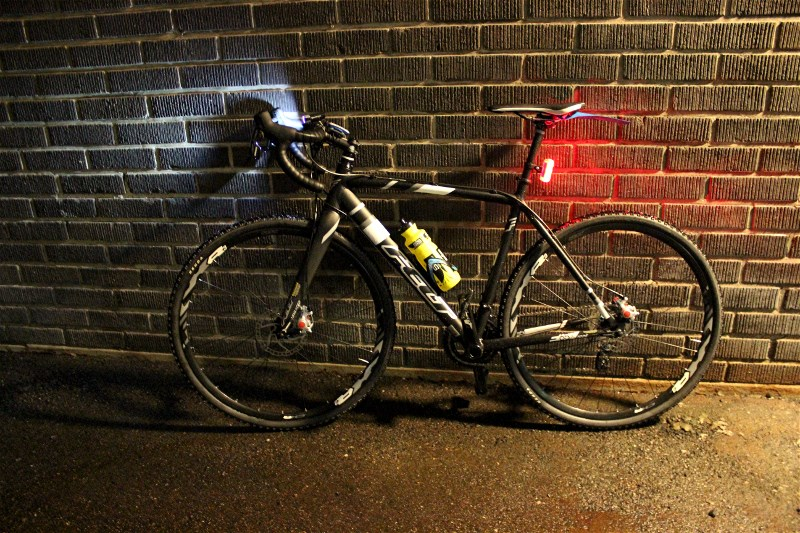 """The setup with studded tires, front&back-lights and ass savers """"mudguard"""""""