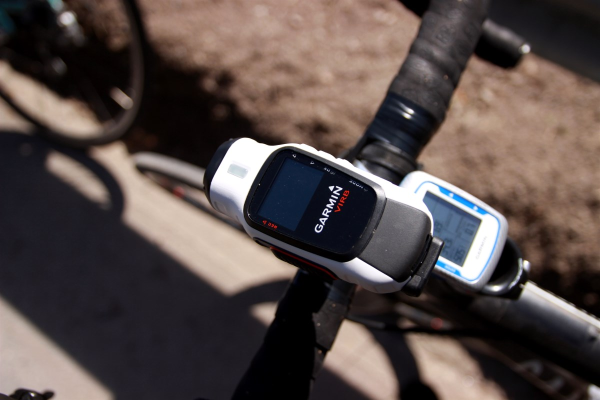 Garmin Virb Elite mounted to the handlebar
