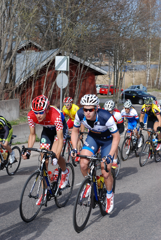 Arttu staying in front of the pack (Picture by Klaus von Wendt)