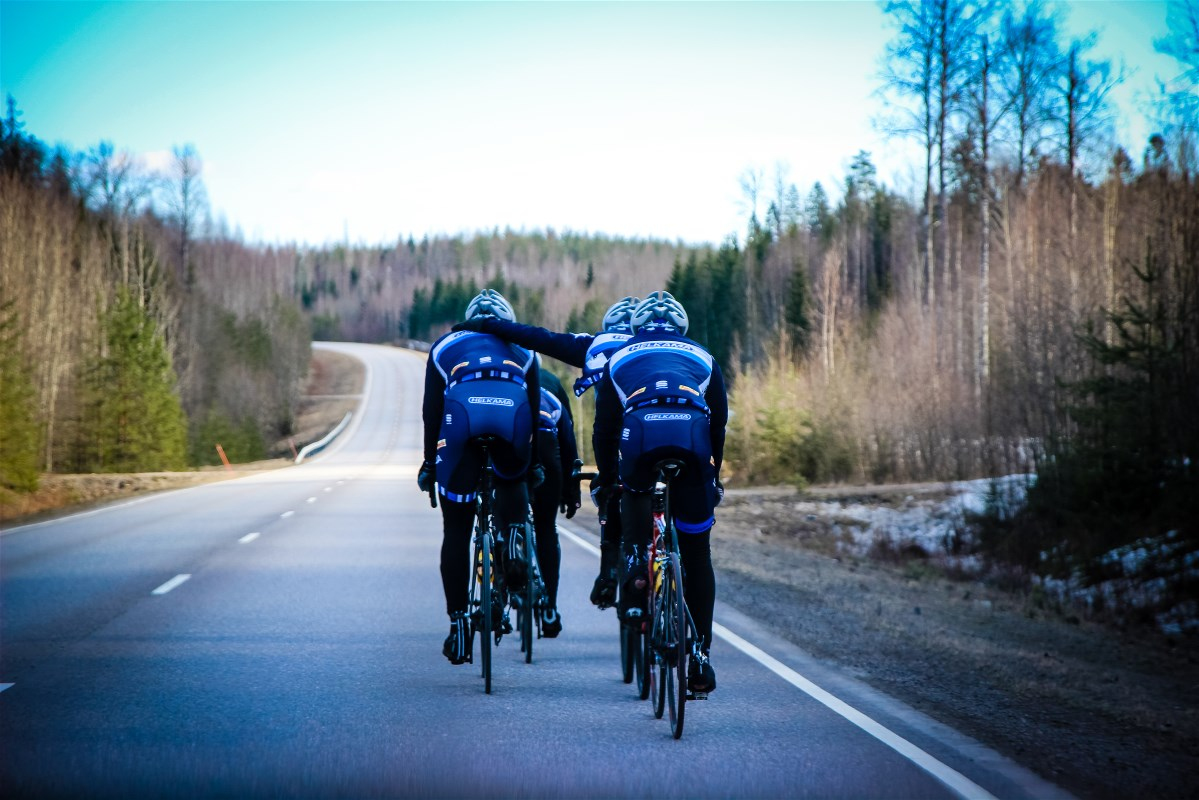 A good team spirit is important. The guys will be riding and helping each other out throughout the season.